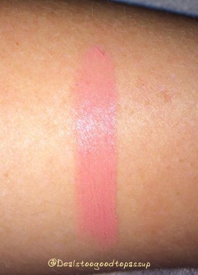 nyx-cosmetics-butter-lipstick-sandy-kiss-2