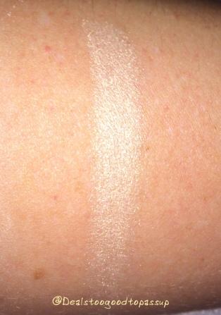 becca-shimmering-skin-perfector-moonstone-pressed-2